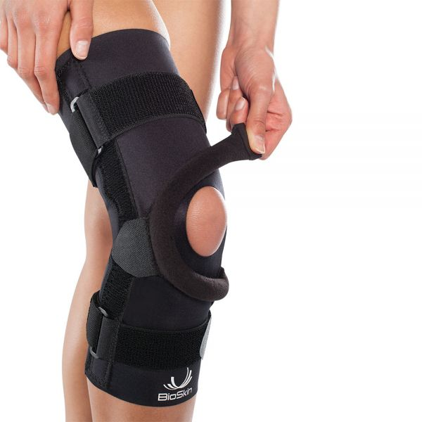 Knee brace for lateral patella tracking disorder